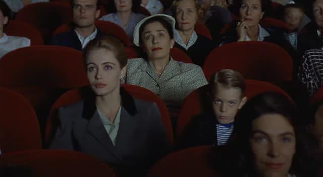 Une femme française film still 2