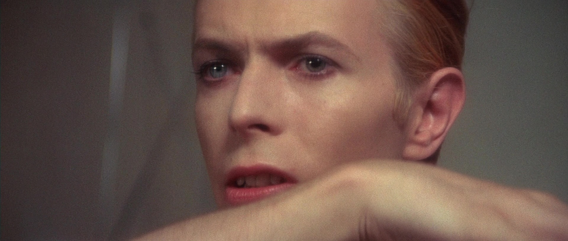 The Man Who Fell to Earth film still 8