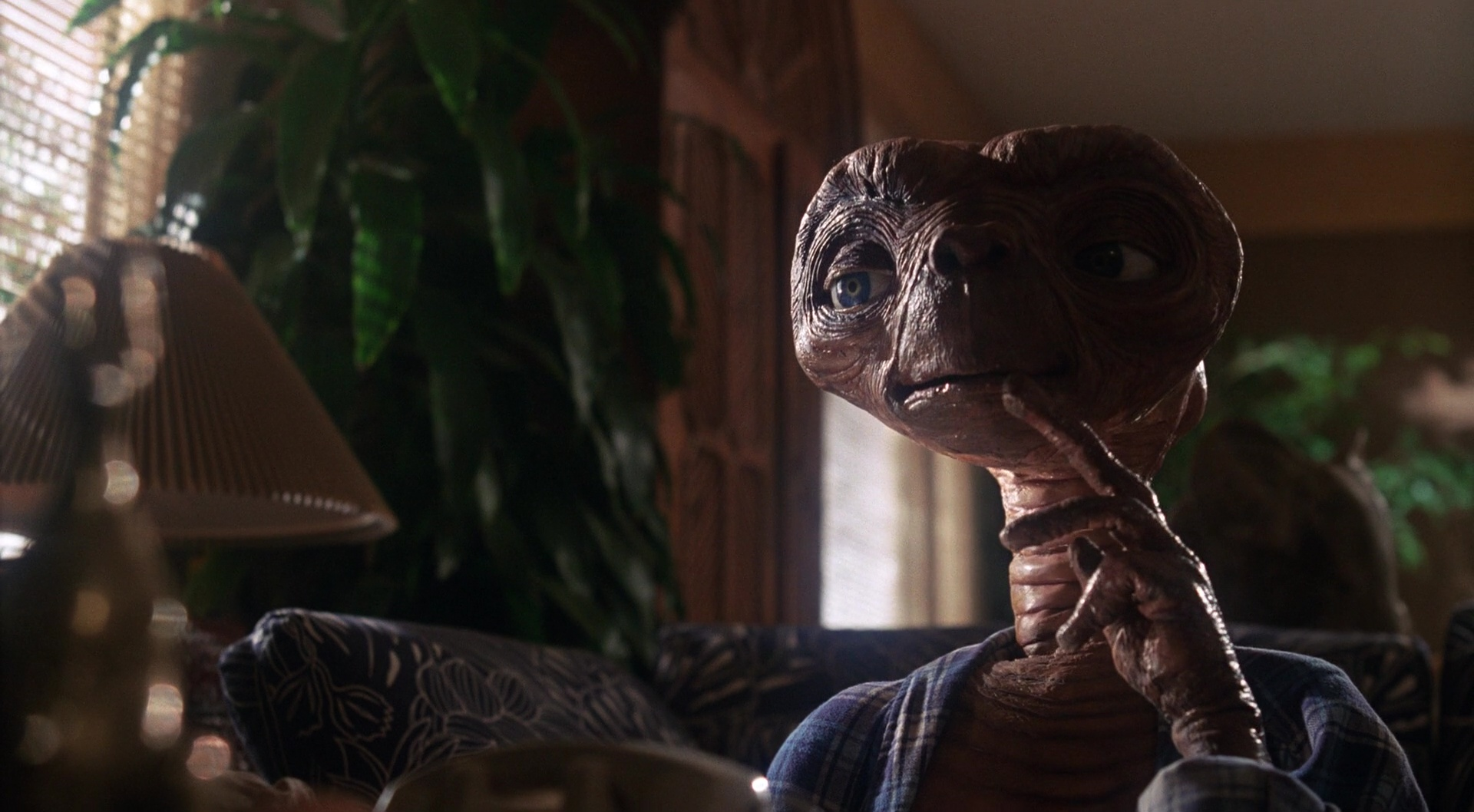 E.T. the Extra-Terrestrial film still 16