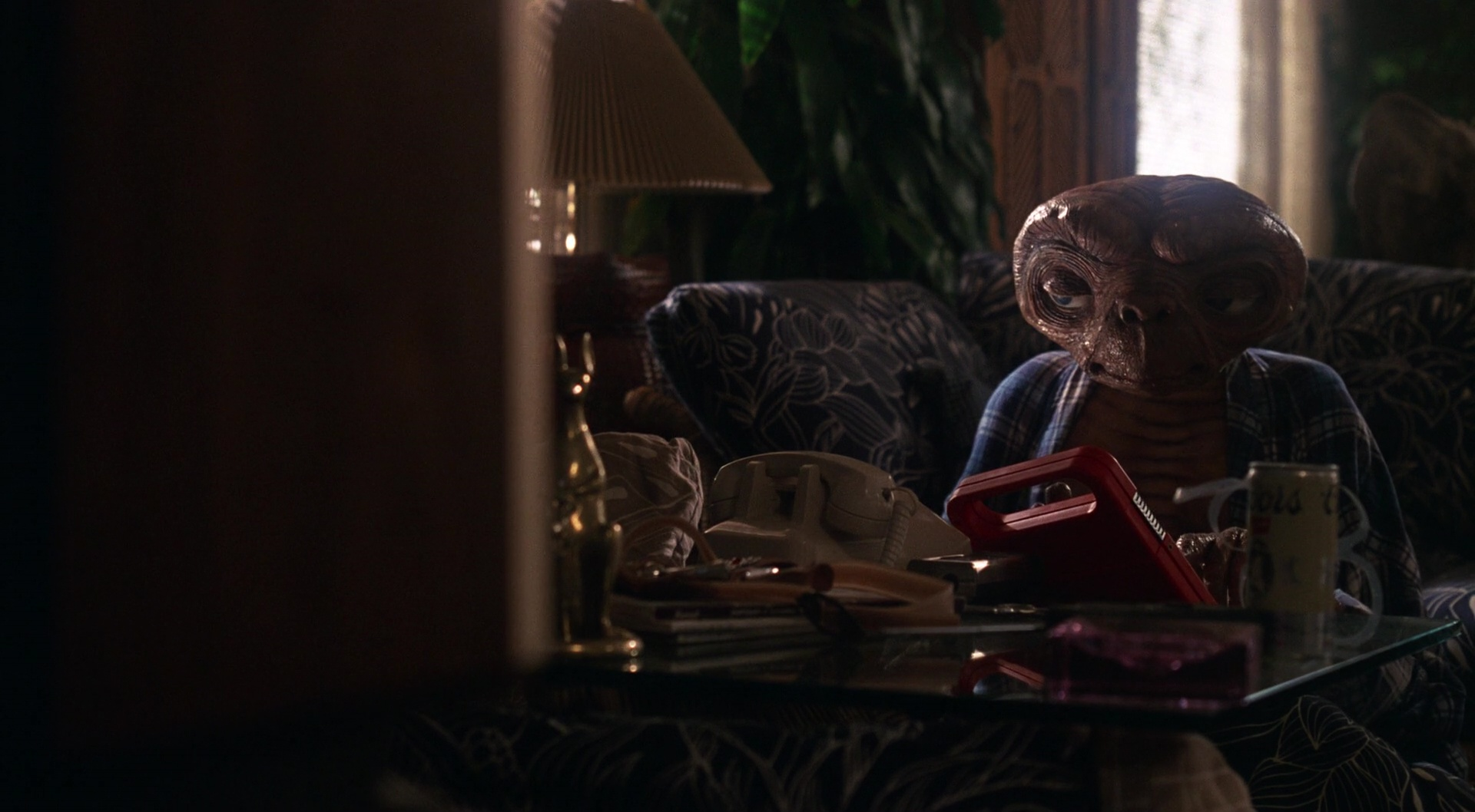 E.T. the Extra-Terrestrial film still 2