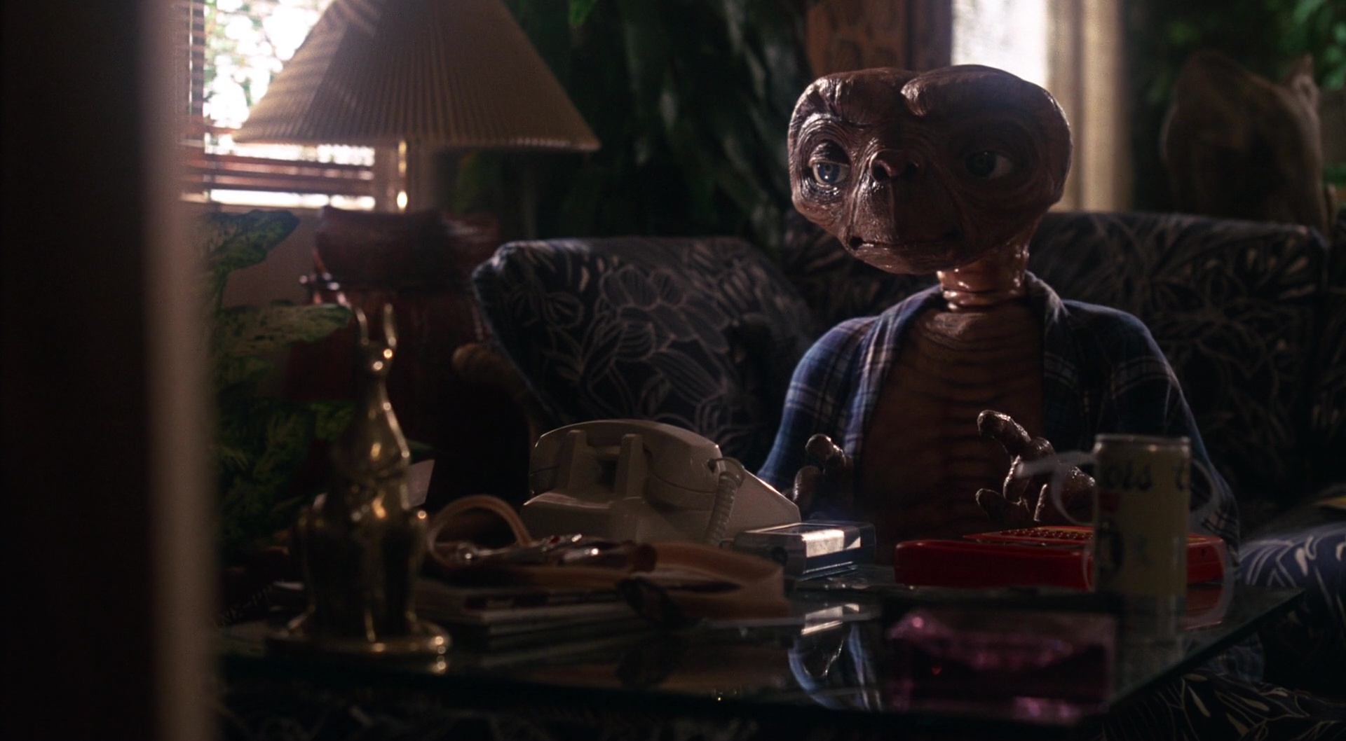 E.T. the Extra-Terrestrial film still 4